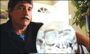 Bill Homann and the Mitchell-Hedges crystal skull.